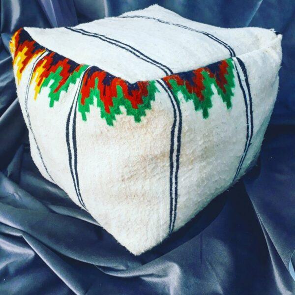 pouf carre en laine