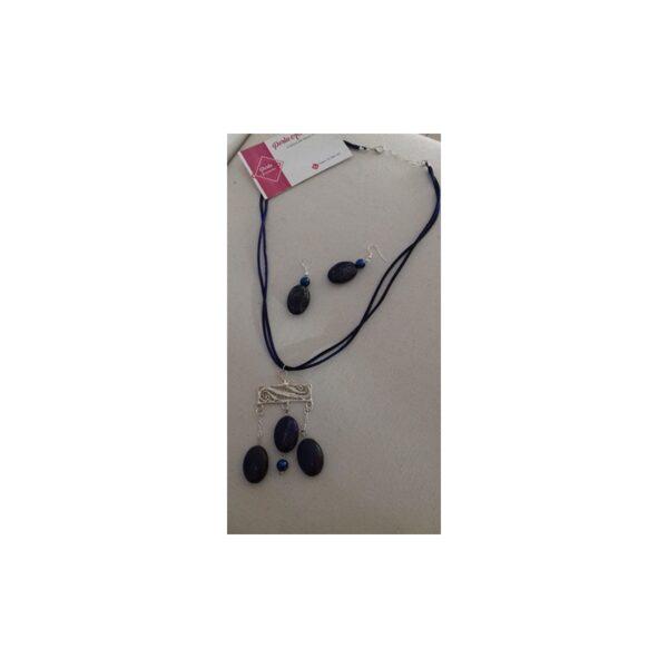 collier et boucles d'oreilles