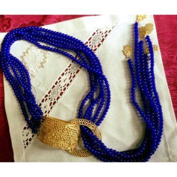 Collier en forme de cravate