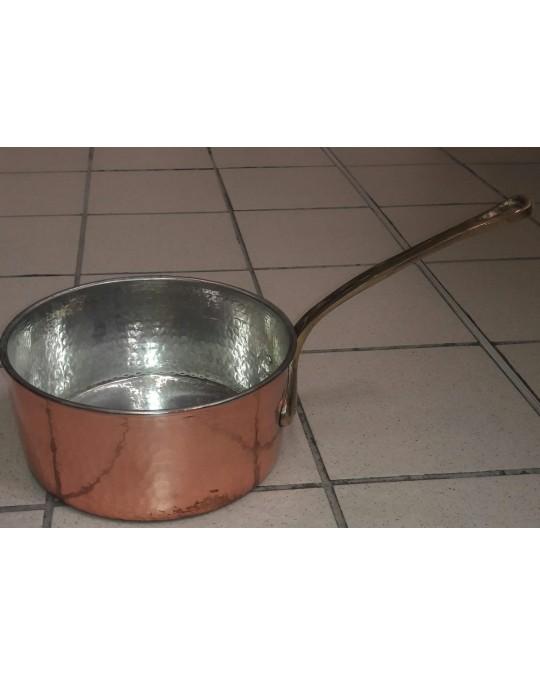 casserole en cuivre martelé