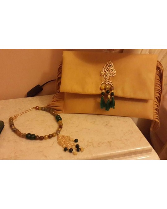 Pochette et collier