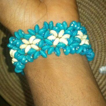 Bracelet de perles ( Cameroun )